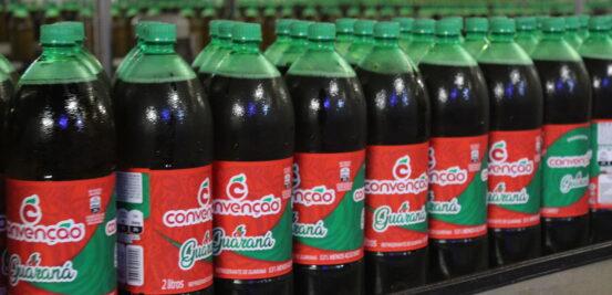 Conheça a produção dos refrigerantes